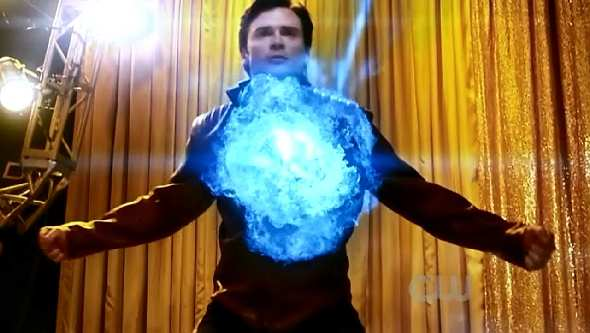 SMALLVILLE 10x18 BOOSTER