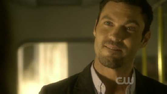SMALLVILLE 9X01 SAVIOUR